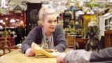 Näyttelijä Anu Sinisalo myy TTK-tanssikenkiään – mutta saako Aki himoitsemansa Ohukainen ja Paksukainen -lampun?