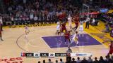 NBA-yön Top 10: James syöksyy kahdesta ohi superdonkkiin!