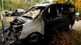 Espoossa paloi useita autoja – katso tuhot videolta
