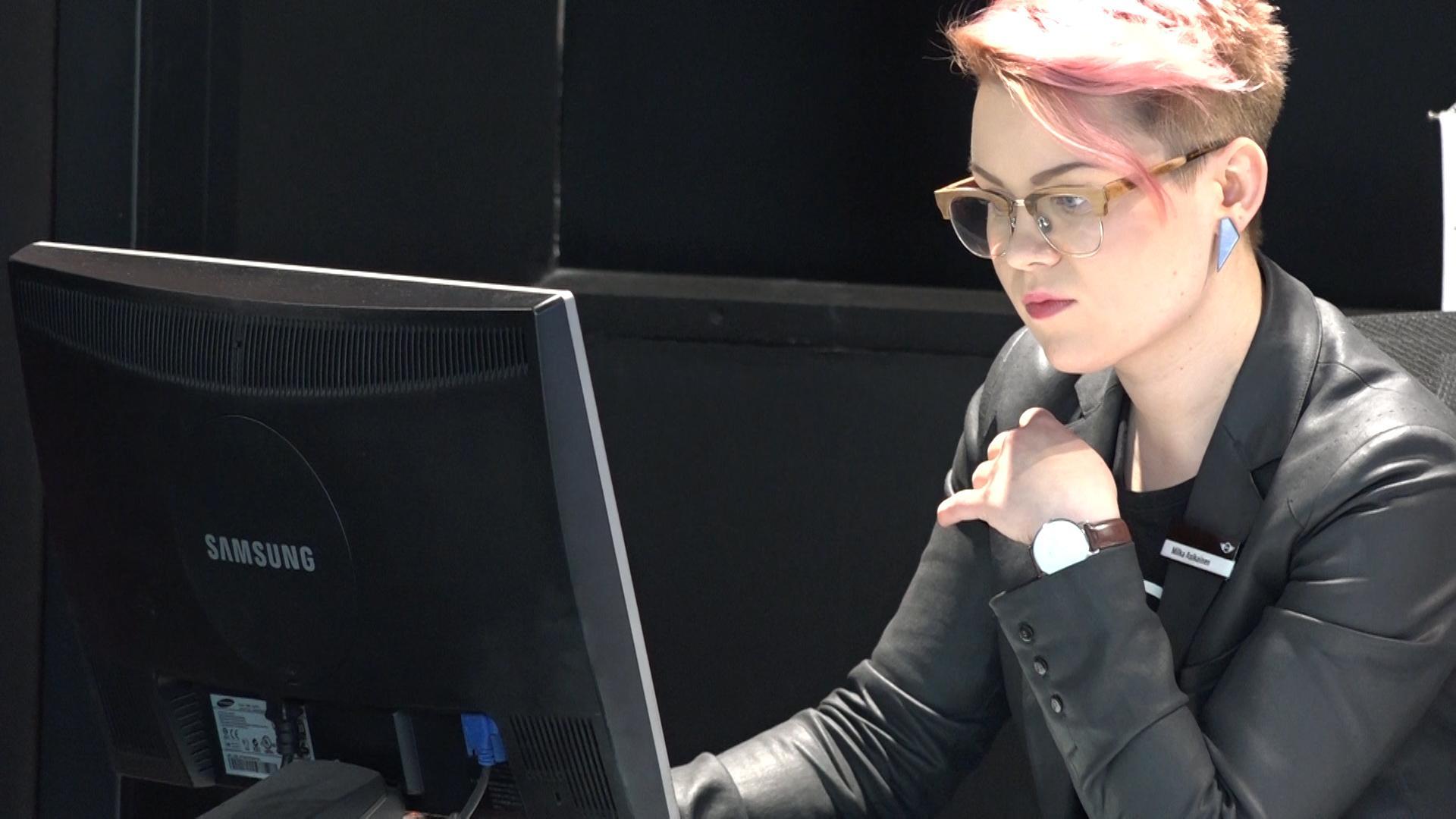 huoli maton pillua nuolee lesbot Lesbo sarja kuva porno vids