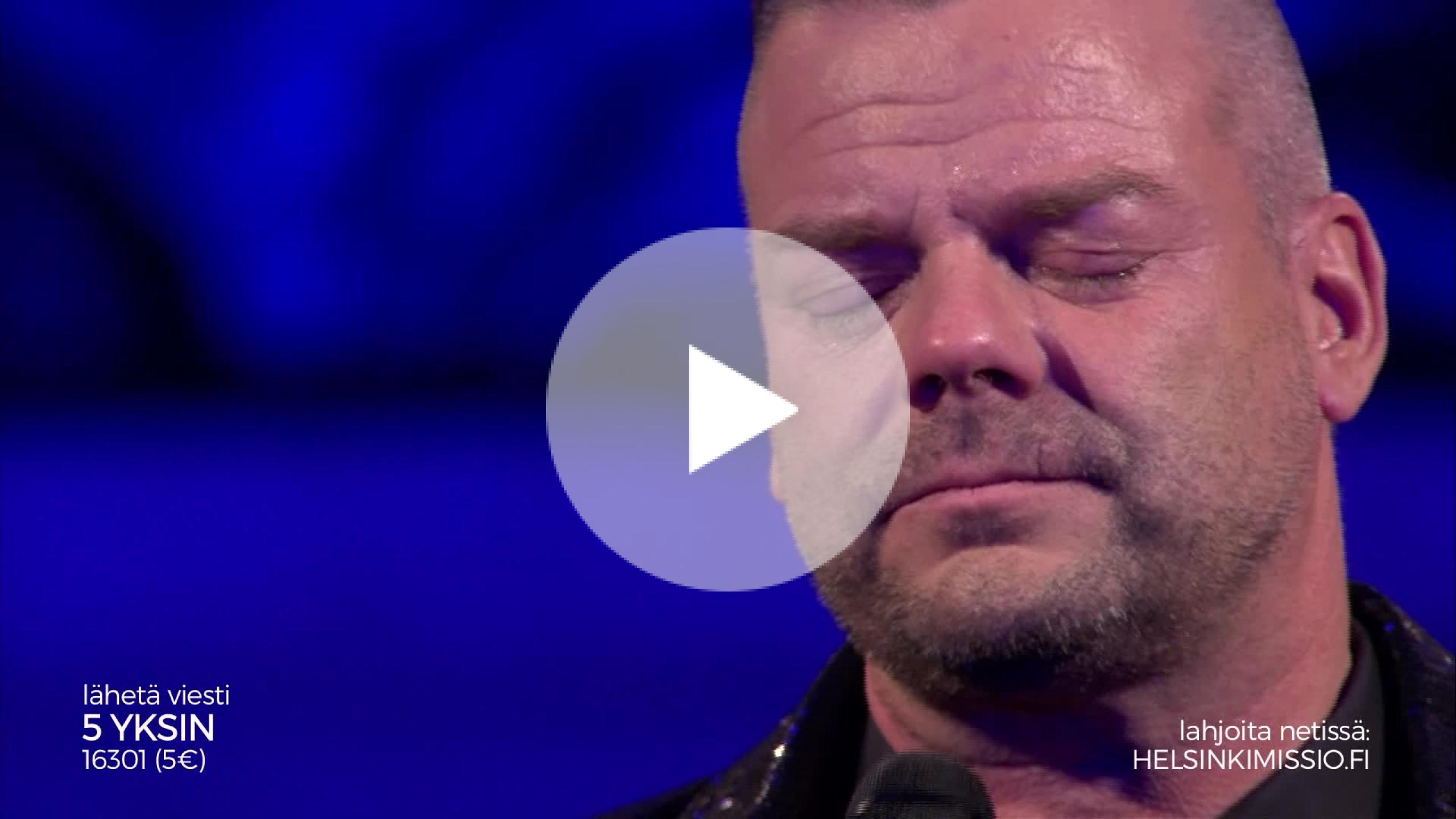 joulun tähdet 2018 - helsinkimission kynttiläkonsertti Jari Sillanpää murtuu kyyneliin kesken esityksensä – kirkossa  joulun tähdet 2018 - helsinkimission kynttiläkonsertti